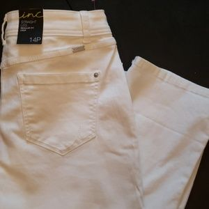 NWT inc whitejean crop straight leg